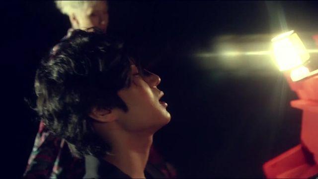 """""""Beautiful Liar"""" của VIXX LR"""